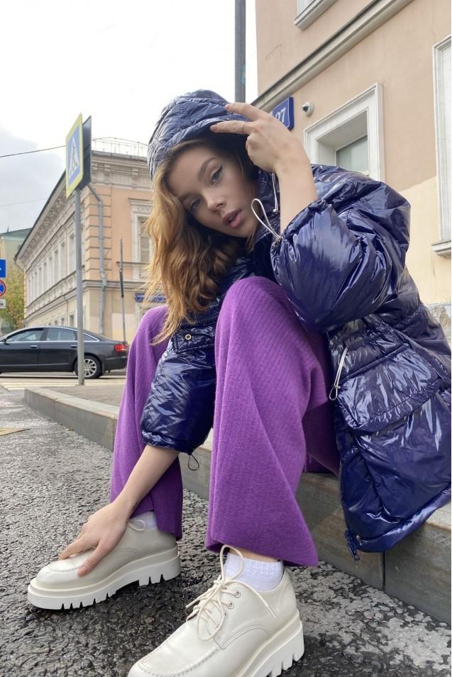 Куртка с эффектом винила в синем цвете